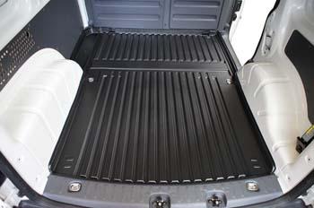 Lastrumsmatta till VW Caddy skåp 2-sitsig 04-